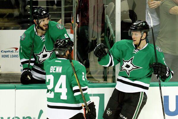 Хоккеисты клуба НХЛ Даллас Старз Тайлер Сегин, Джорди Бенн и Радек Факса (слева направо)