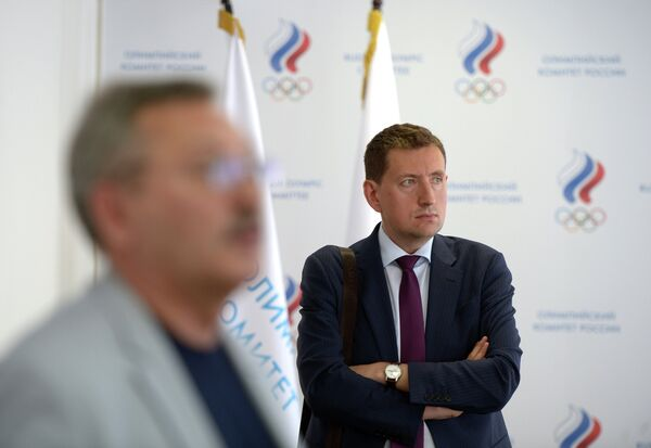 Директор БК УГМК Максим Рябков (справа)