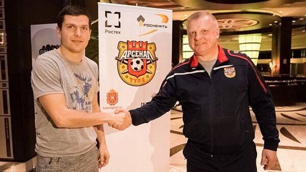 Александру Бурчану (слева)