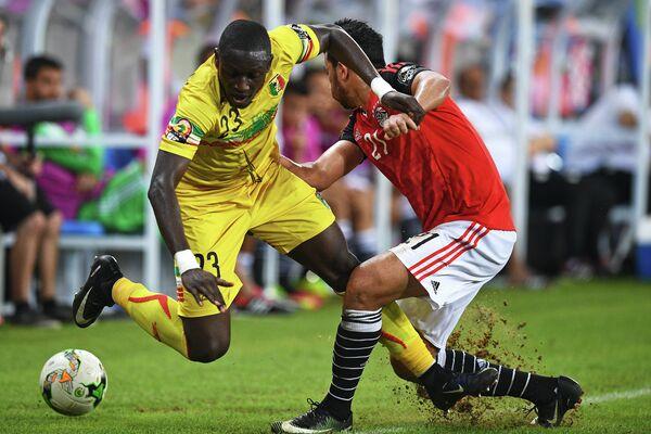 Игровой момент матча Мали - Египет