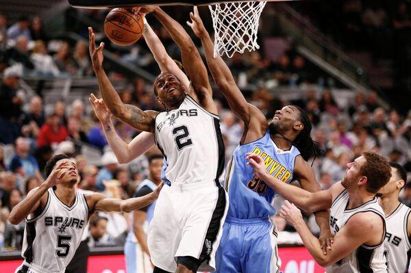 Легкий форвард клуба НБА Сан-Антонио Сперс Кавай Ленард (№2)