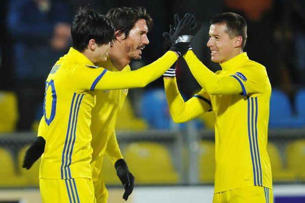Игроки ФК Ростов Сердар Азмун, Сесар Навас и Дмитрий Полоз (слева направо)