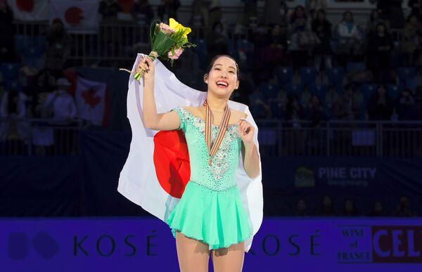 Японка Маи Михара