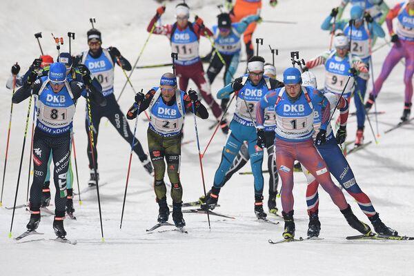 Лукас Хофер (Италия),Эрик Лессер (Германия) и Максим Цветков (Россия) (слева направо на первом плане)