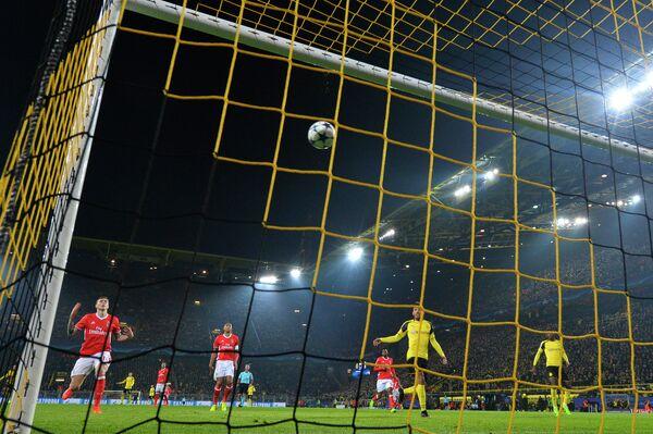 Игровой момент матча Боруссия (Дортмунд) - Бенфика
