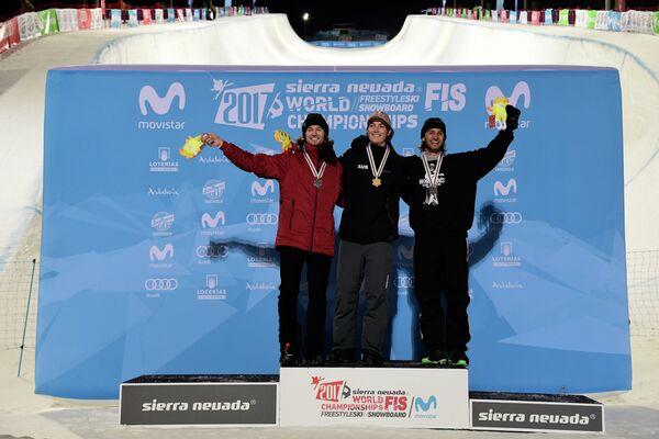 Юрий Подладчиков (Швейцария), Скотт Джеймс (Австралия) и Патрик Бургенер (Швейцария) (слева направо)