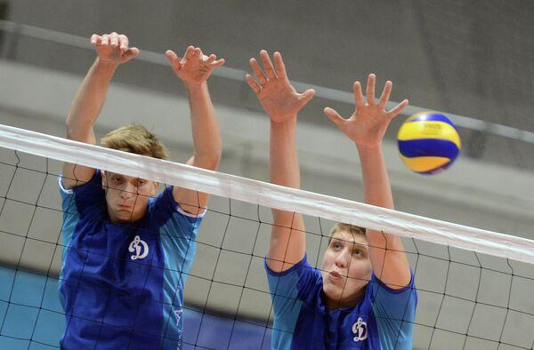 Александр Кимеров (справа)