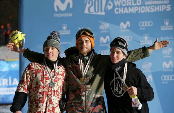 Американец Крис Корнинг и норвежцы Столе Сандбек и Маркус Клевеланд (слева направо)