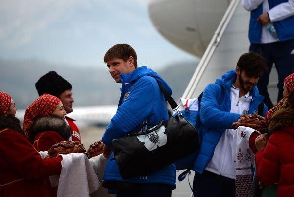 Футболисты сборной России Александр Беленов (слева) и Александр Ерохин