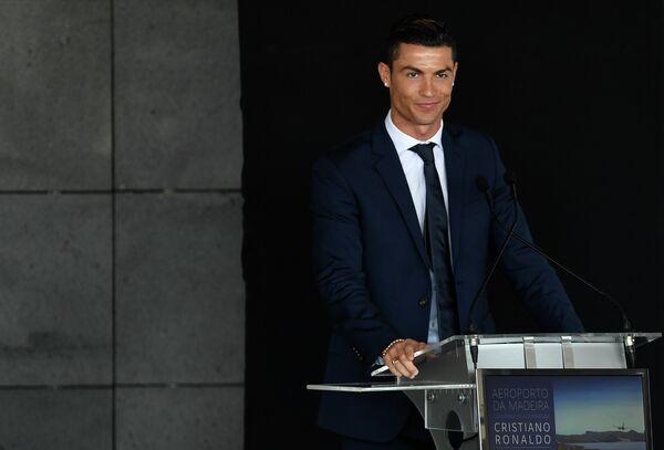 Криштиану Роналду на торжественной церемонии в честь переименования аэропорта острова Мадейра