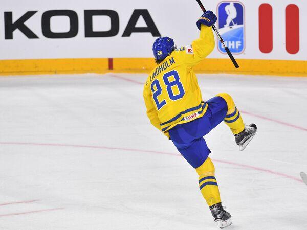 Форвард сборной Швеции Элиас Линдхольм