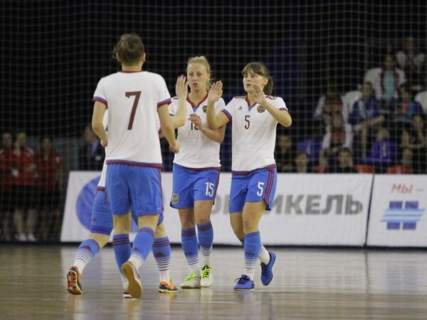 Игроки женской сборной России по мини-футболу