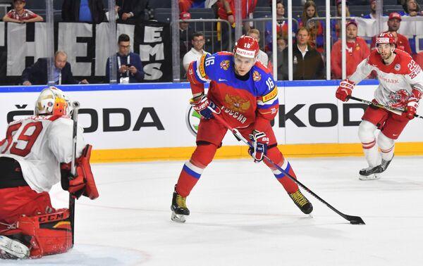 Нападающий сборной России Сергей Плотников