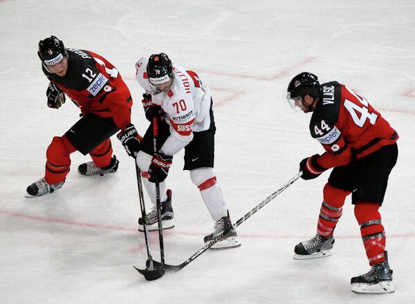 гровой момент матча группового этапа чемпионата мира по хоккею-2017 между сборными Канады и Швейцарии