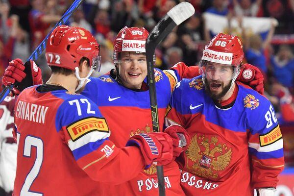 Хоккеисты сборной России Артемий Панарин, Владислав Наместников и Никита Кучеров (слева направо)