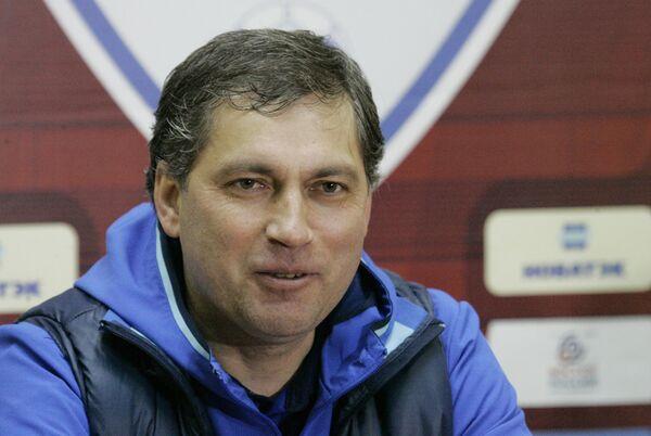 Главный тренер ФК Оренбург Роберт Евдокимов