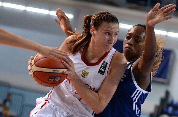 Дарья Колосовская (слева) и Виктория Мажекодунми