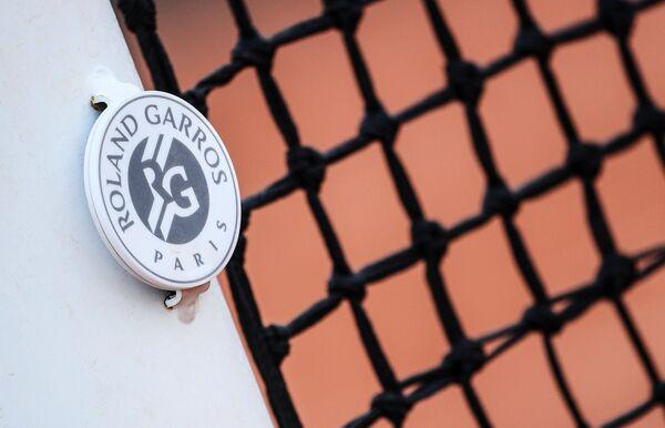 Эмблема Открытого чемпионата Франции по теннису (Ролан Гаррос)