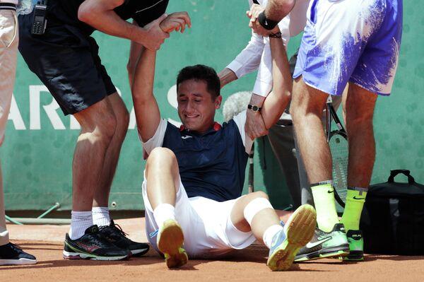 Николас Альмагро, получивший травму на Ролан Гаррос