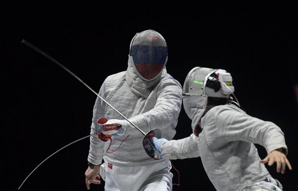 Алексей Якименко (слева)