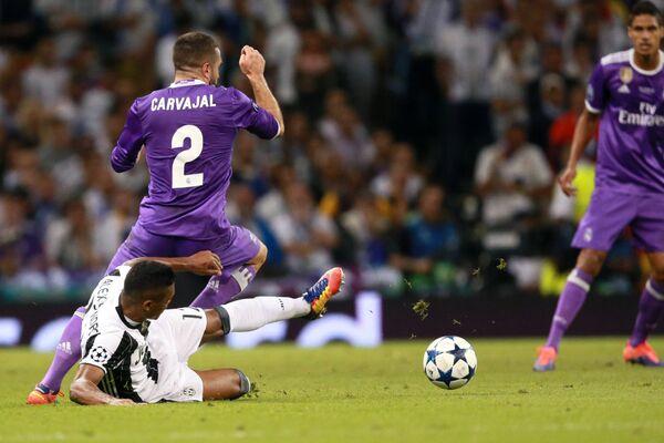 Защитник ФК Реал Мадрид Даниэль Карвахаль (№2)