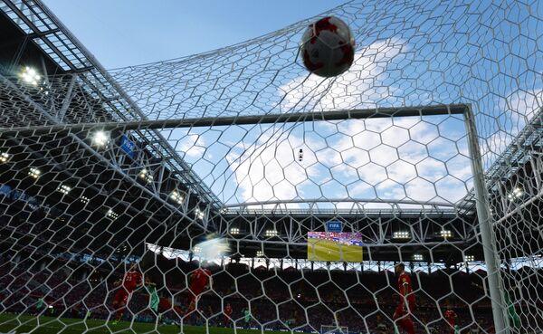 Игровой момент матча группового этапа Кубка конфедераций-2017 между сборными России и Португалии