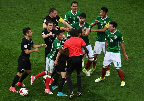 Потасовка во время матча Мексика – Новая Зеландия