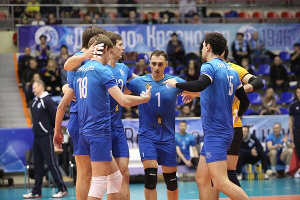 Игроки мужского волейбольного клуба Динамо (Краснодар)