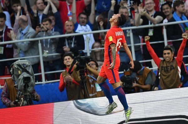 Нападающий сборной Чили по футболу Мартин Родригес