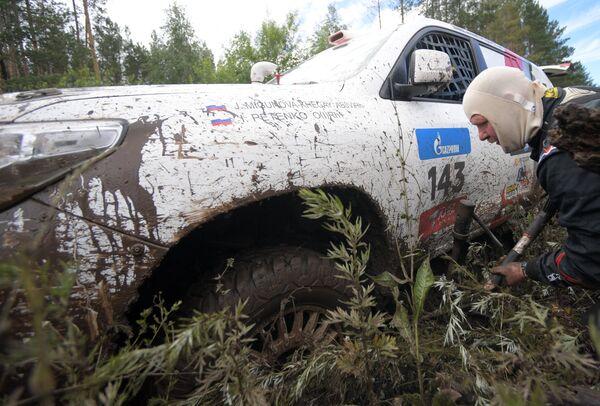 Автомобиль команды AVMOTORSPORT под управлением Юли Мигуновой-Хегай (Россия)