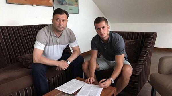 Горан Чаушич (справа)