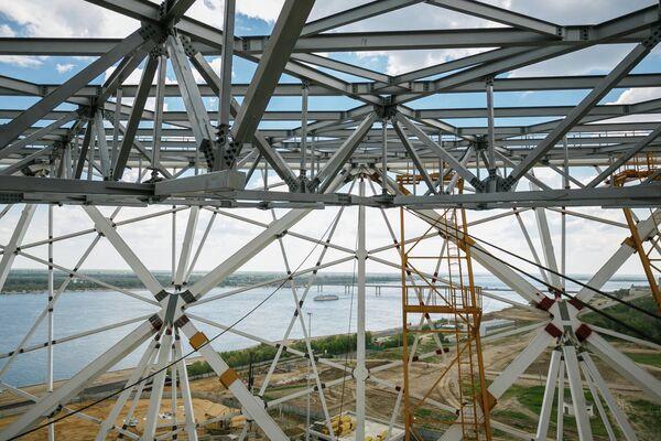 Вид на реку Волгу со стройплощадки стадиона Волгоград Арена