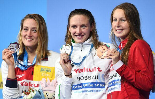 Мирея Бельмонте Гарсия, Катинка Хошсу, Сидни Пикрем (слева направо)