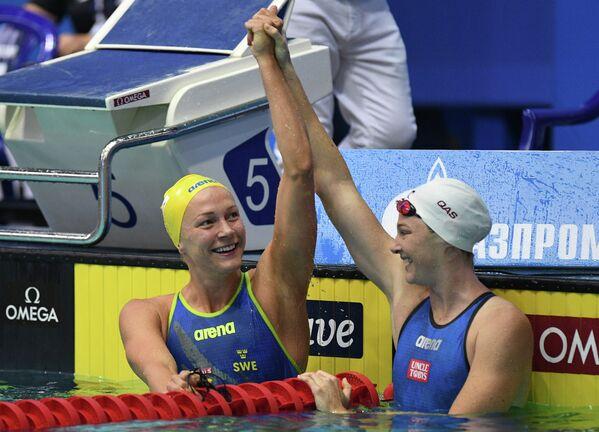 Сара Шёстрём и Кейт Кэмпбелл (слева направо)