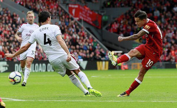 Игровой момент матча Ливерпуль - Бернли