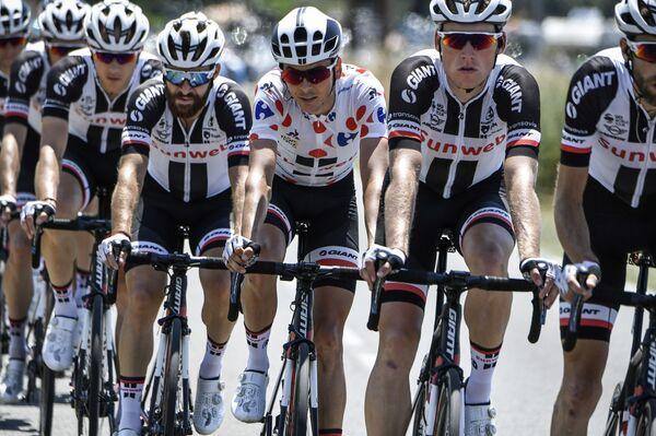 Велогонщики команды Sunweb