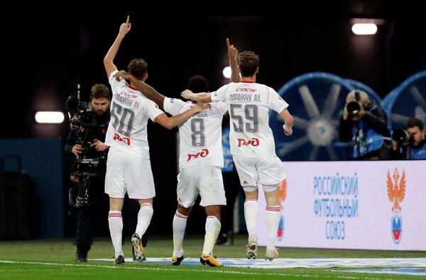 Игроки ФК Локомотив Антон Миранчук, Джефферсон Фарфан и Алексей Миранчук (слева направо)