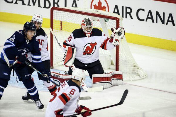 Игровой момент матча НХЛ Виннипег Джетс - Нью-Джерси Девилз