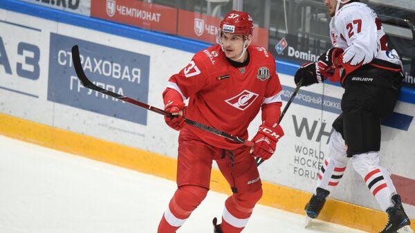 Защитник московского Спартака Александр Осипов