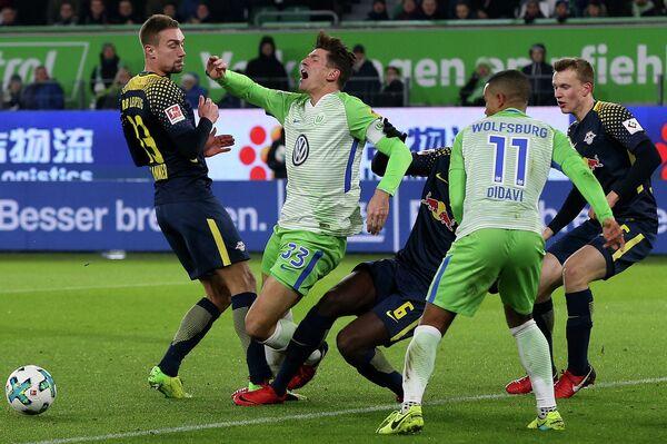 Игровой момент матча Вольфсбург - Лейпциг