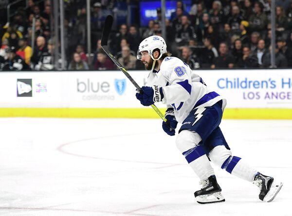 Нападающий клуба НХЛ Тампа Бэй Лайтнинг Никита Кучеров