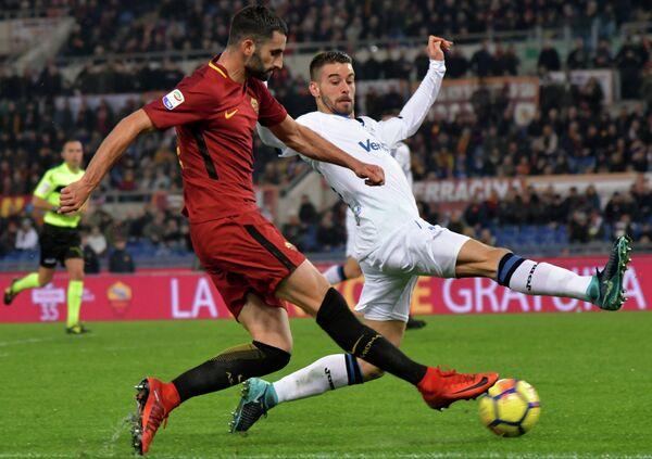 Игровой момент матча чемпионата Италии Рома - Аталанта