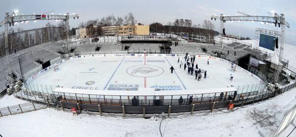 Подготовка к матчу КХЛ на открытом воздухе Динамо (Рига) - Динамо (Минск)