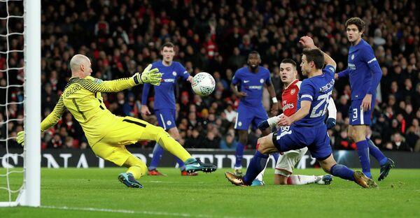 Игровой момент матча Кубка английской лиги Арсенал - Челси