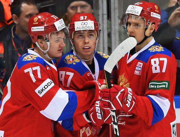 Хоккеисты сборной России Кирилл Капризов, Никита Гусев, Вадим Шипачёв (слева направо)