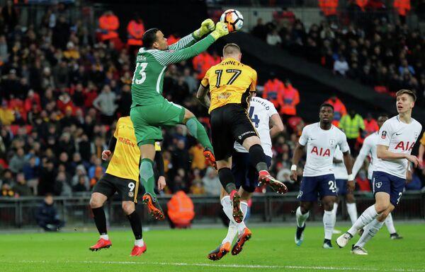 Игровой момент матча Кубка Англии Тоттенхэм - Ньюпорт Каунти