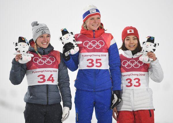 Катарина Альтхаус, Марен Лундбю и Сара Таканаси (слева направо)
