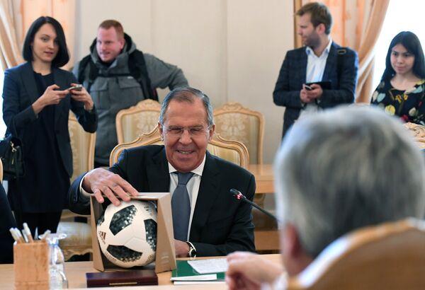 Сергей Лавров во время встречи с Дидье Рейндерсом