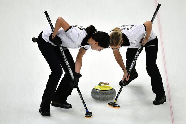 Российские спортсменки Ульяна Васильева и Галина Арсенькина (слева направо)