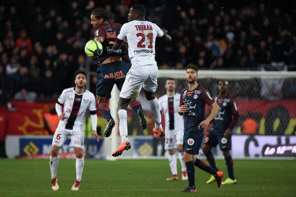 Игровой момент матча чемпионата Франции Монпелье - Генгам
